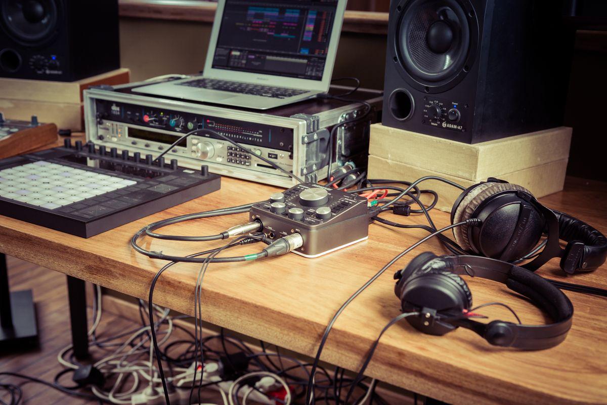 Arturia Overview Audio Xlr Wiring Multiple Speakers Gallery