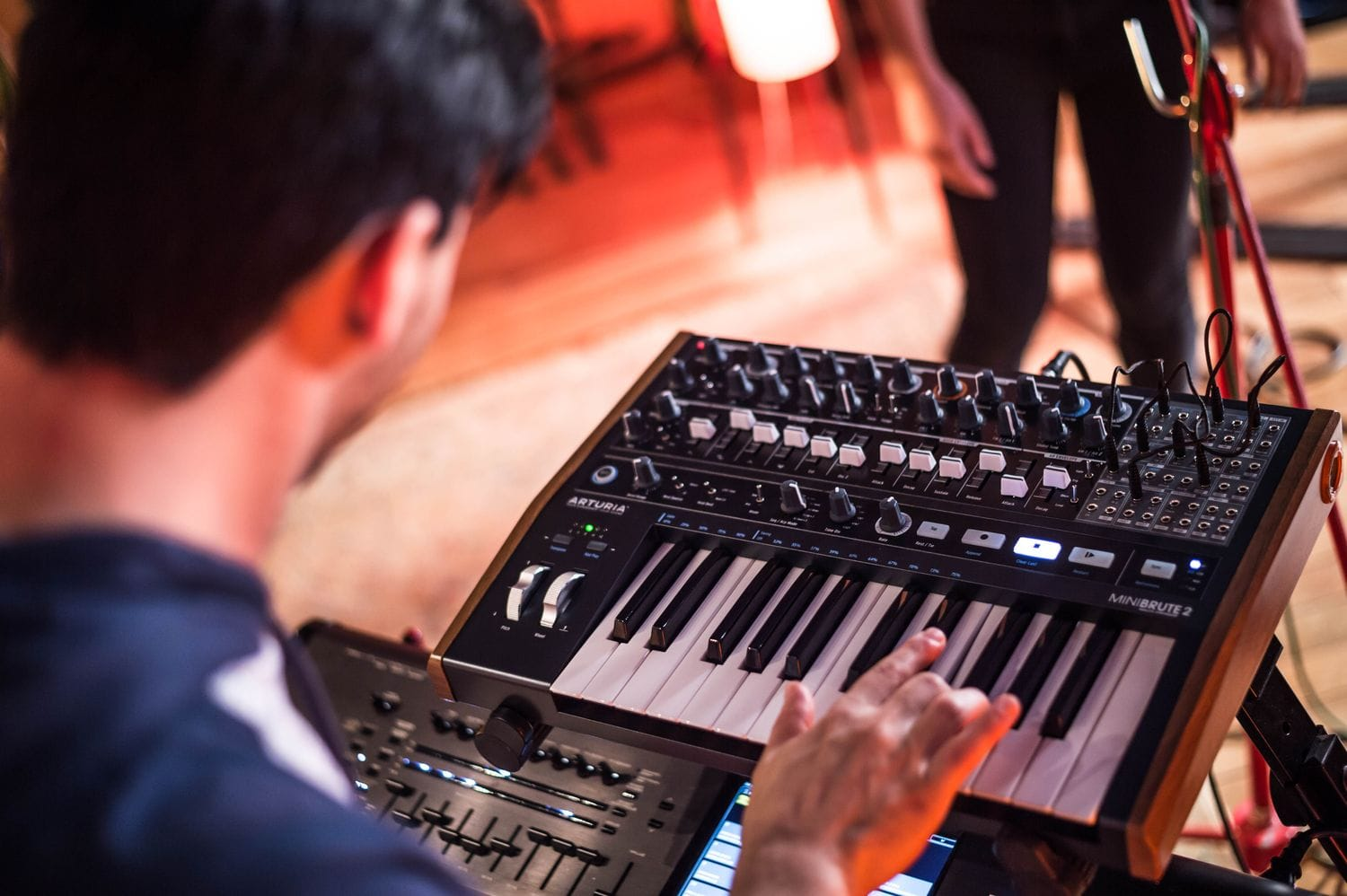 arturia minibrute 2 analogue hybrid sequencer-synth keyboard